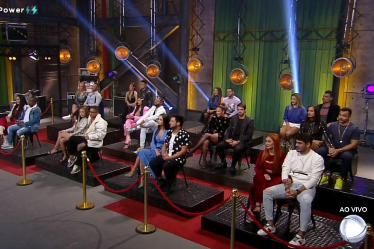 todos participantes power couple sentados