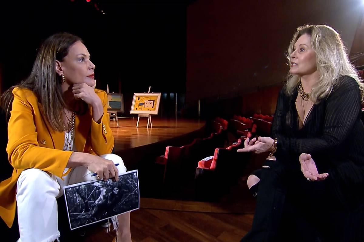 Vera Fischer ao lado de Carolina Ferraz durante entrevista