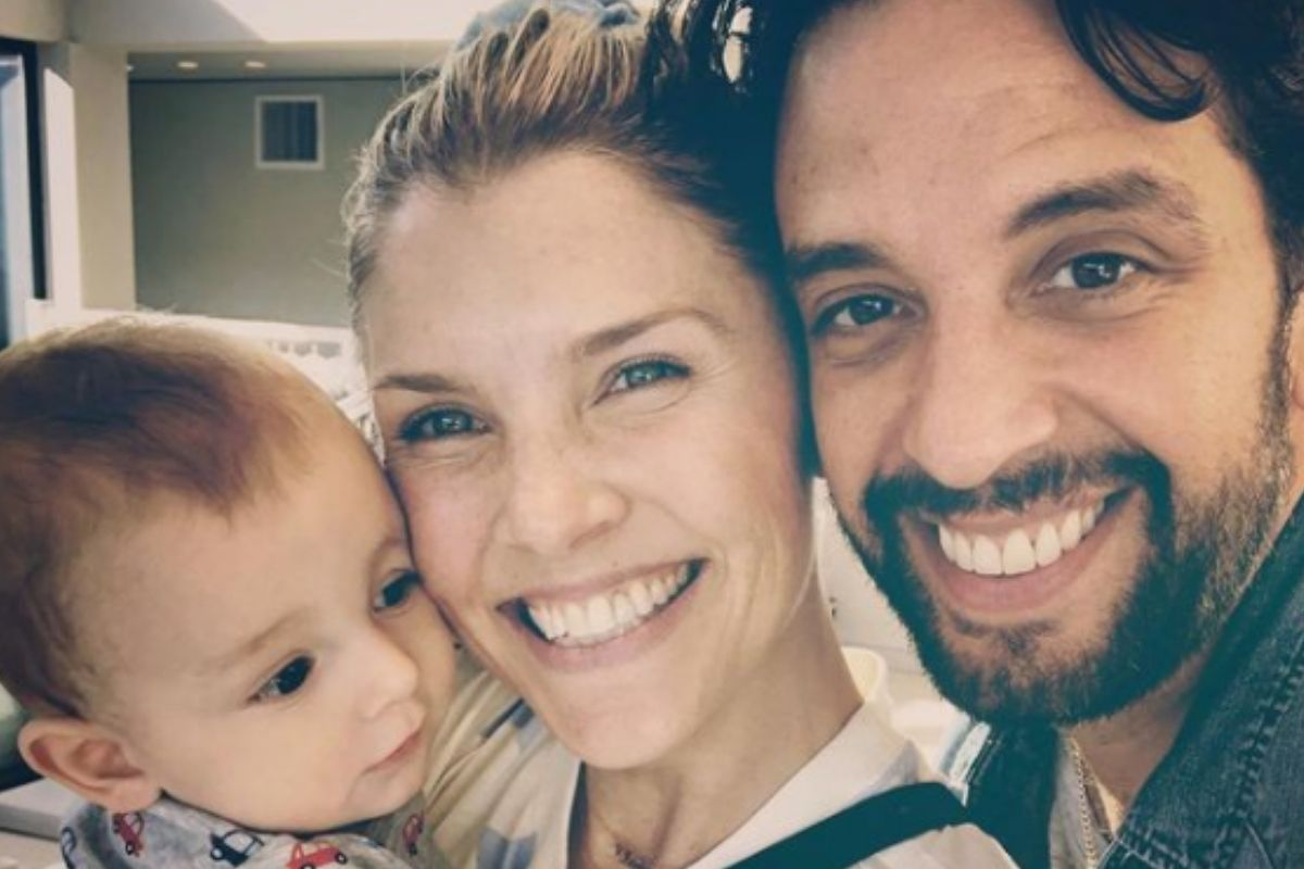 Amanda Kloots e Nick Cordero com o filho do casal