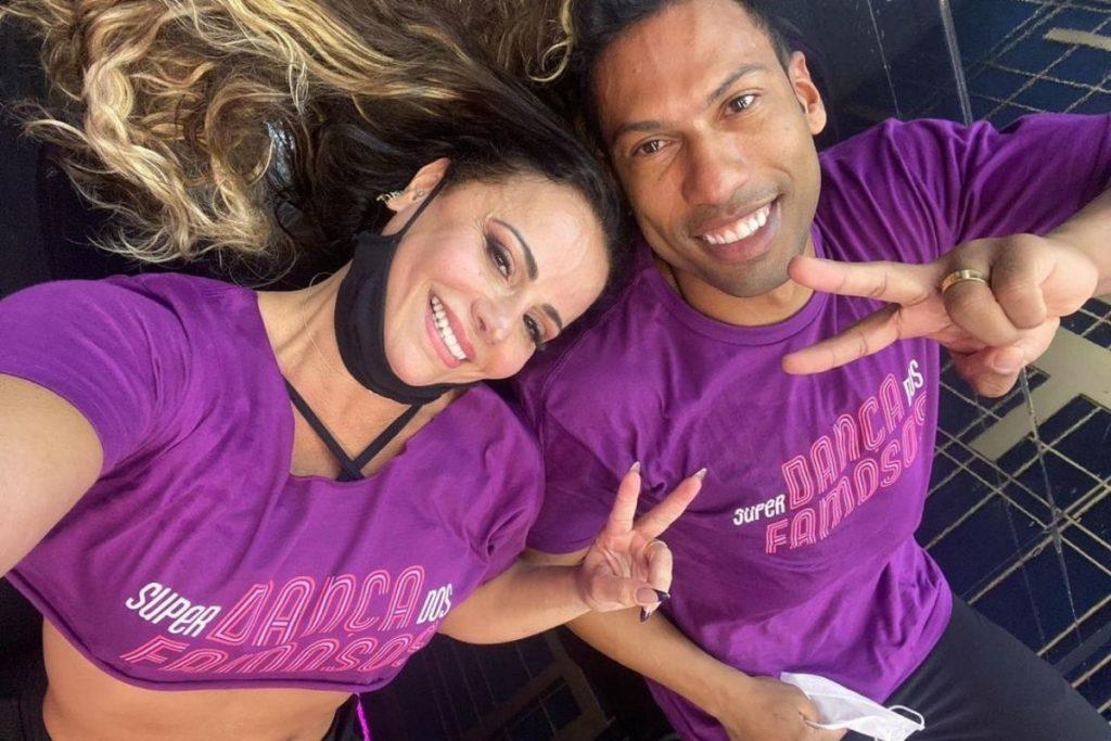 Viviane e seu professor Rodrigo Oliveira