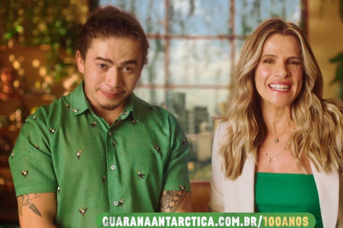 Whindersson Nunes e Ingrid Guimarães em comercial da Guaraná Antarctica