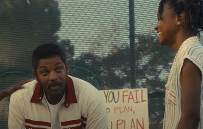 Will Smith sentado em uma quadra de tênis
