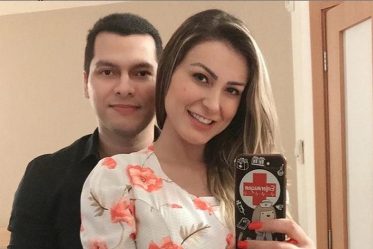 Andressa Urach com o marido
