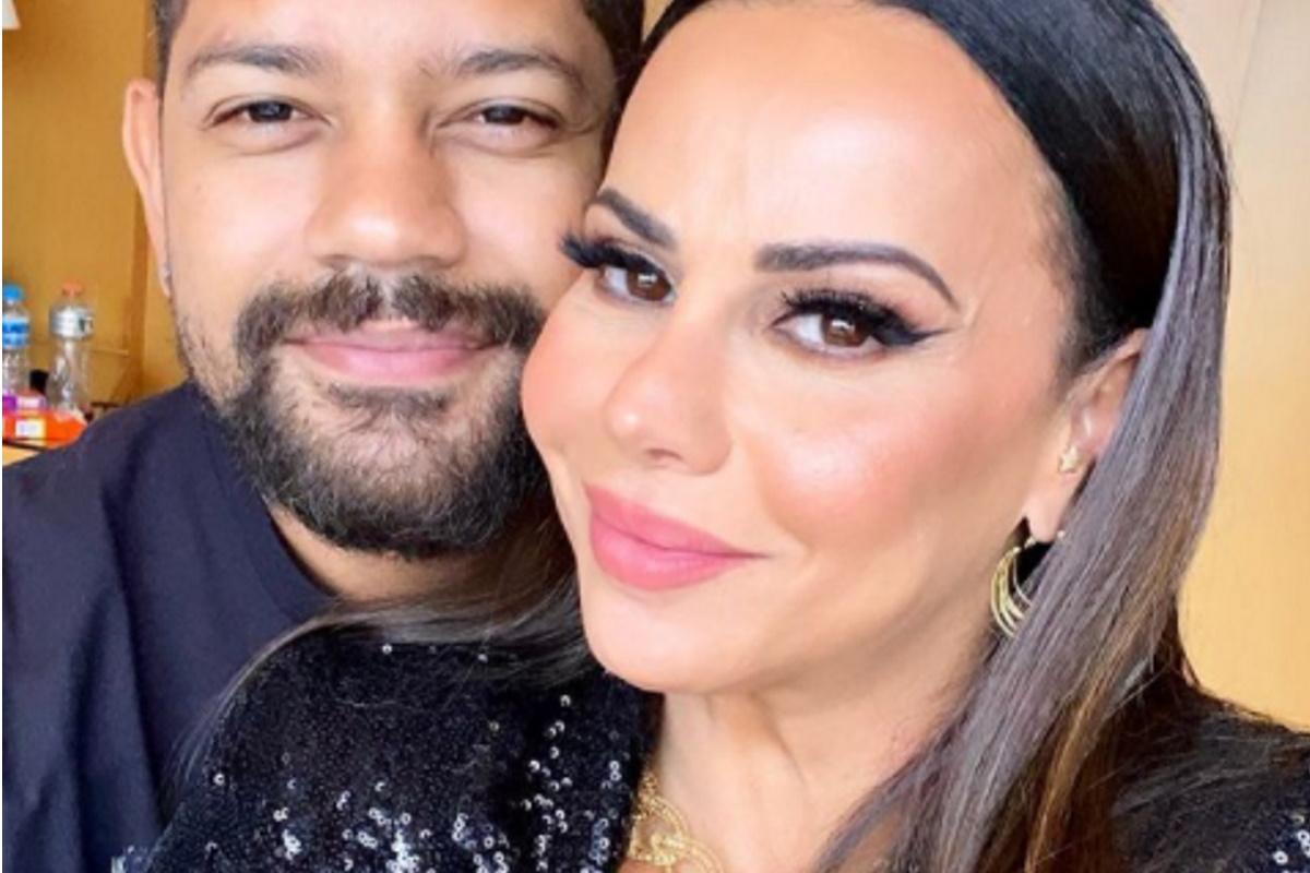 Guilherme Militao e Viviane Araujo sorrindo