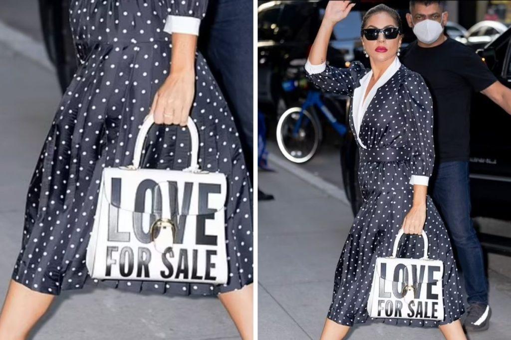 Lady Gaga usando uma bolsa com os dizeres 'Love For Sale'provável título do novo álbum com Tony Bennet