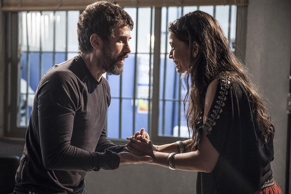 Eriberto Leão e Emanuelle Araújo em cena de Malhação
