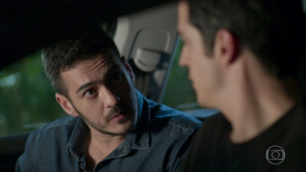 Eric aceita Domênico como detetive particular
