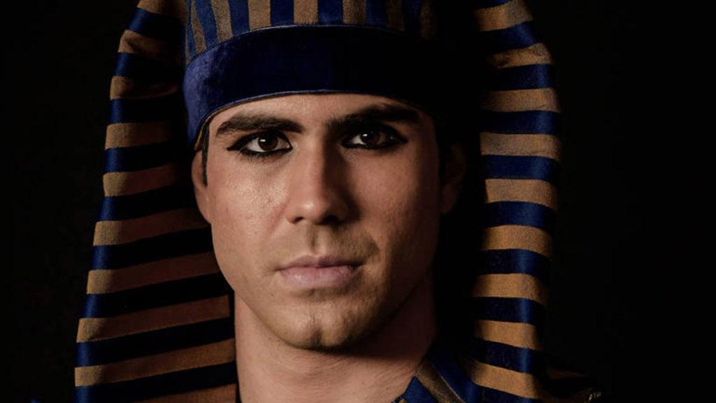 O Faraó tenta resolver mistério envolvendo o palácio