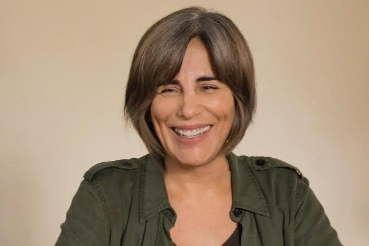 Gloria Pires sorrindo
