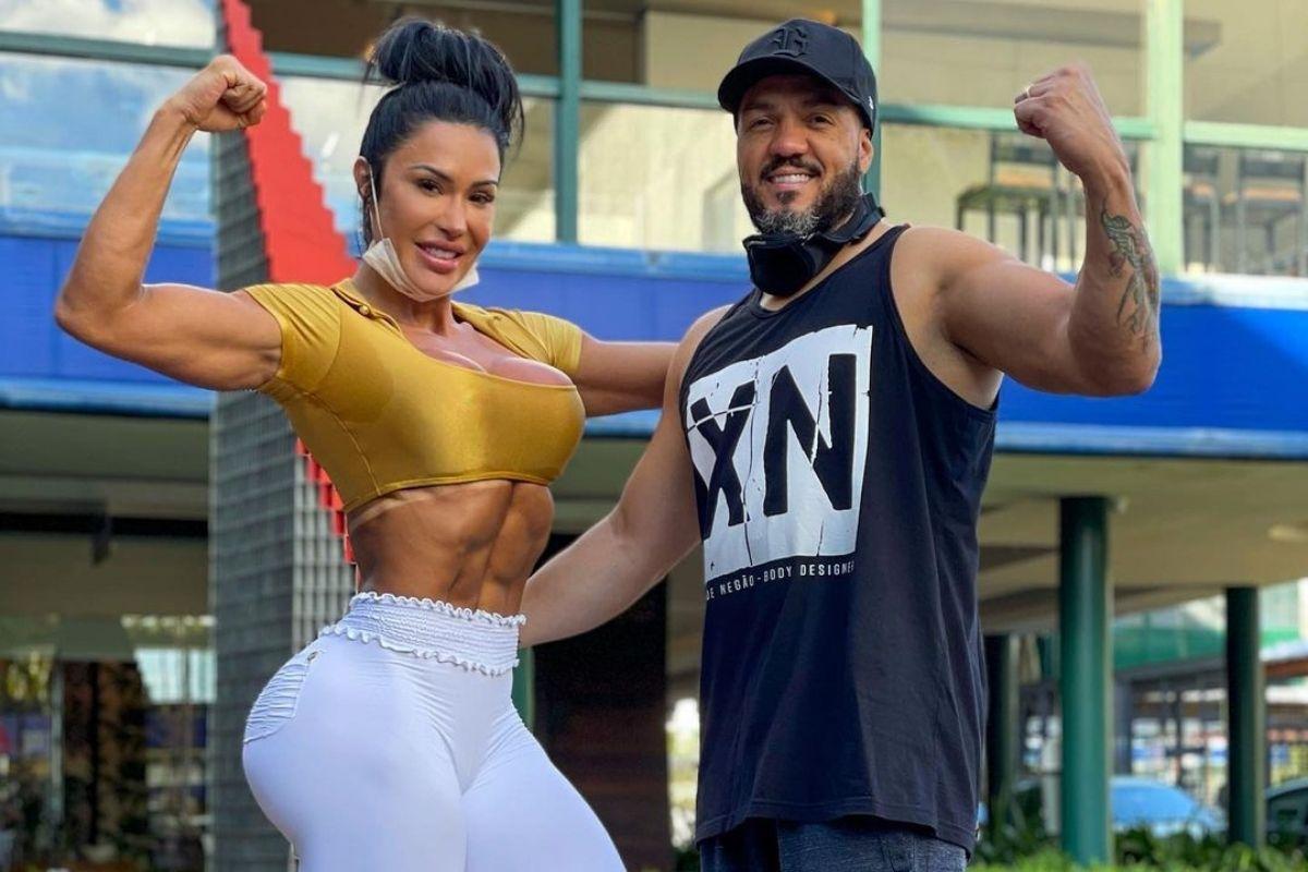 Gracyanne Barbosa e Belo fazendo pose para foto