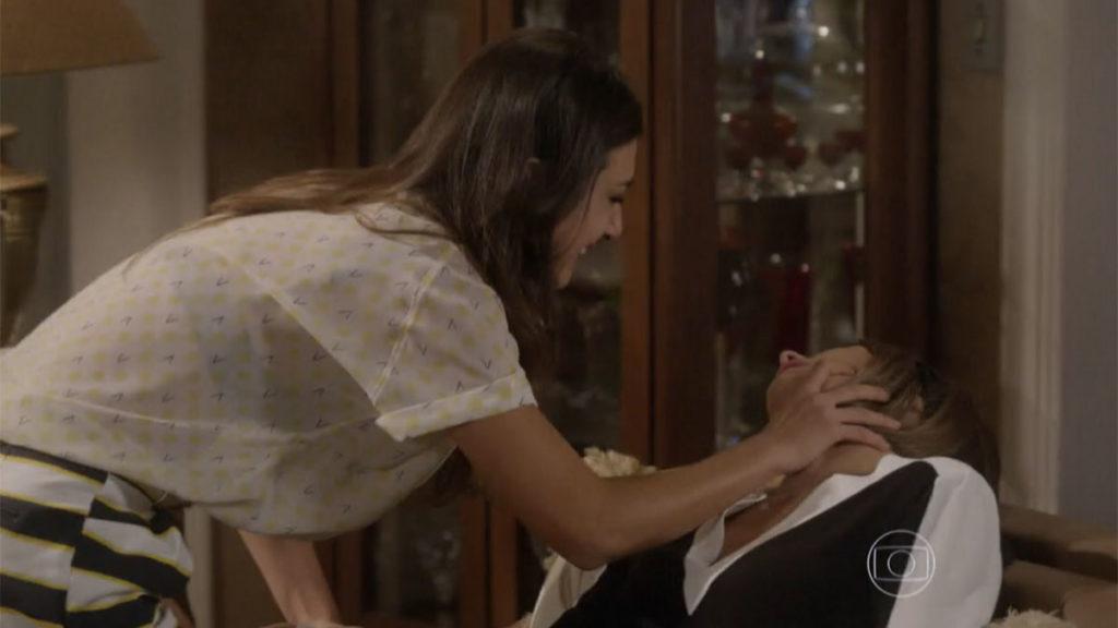 Jade discute com Lucrécia que desmaia