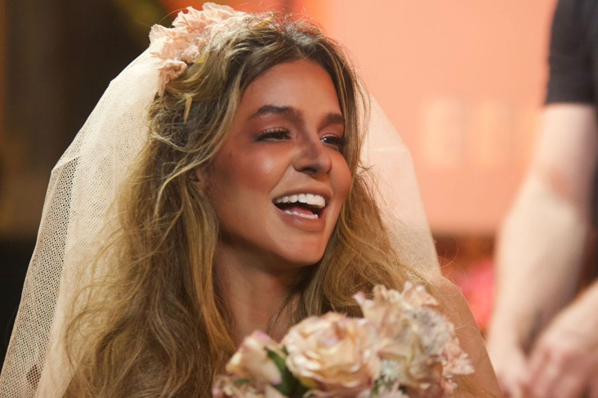 Kerline Cardoso como noiva cadáver