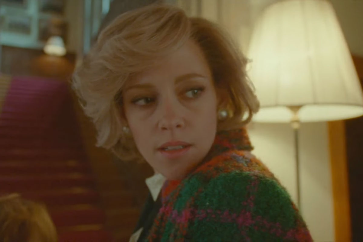 Trecho de trailer do filme Spencer onde Kristen Stewart aparece como Princesa Diana