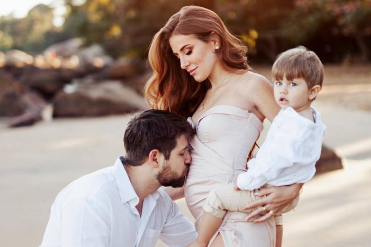mari-maria-anuncia-gravidez-em-familia
