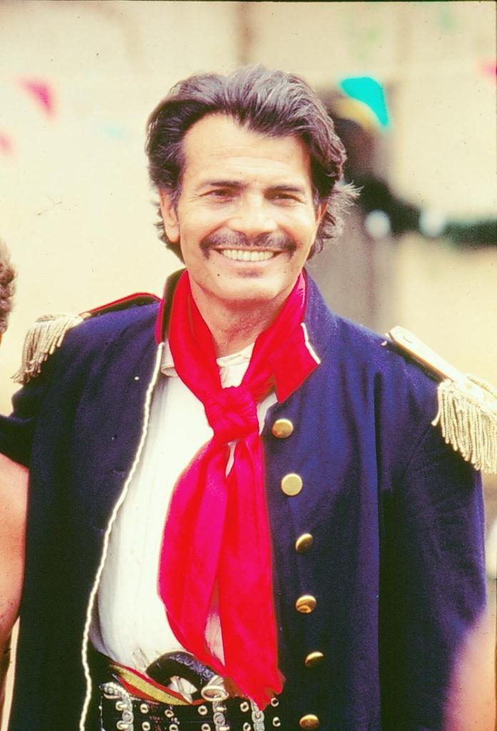 Tarcísio Meira como Capitão Rodrigo Cambará em O Tempo e o Vento