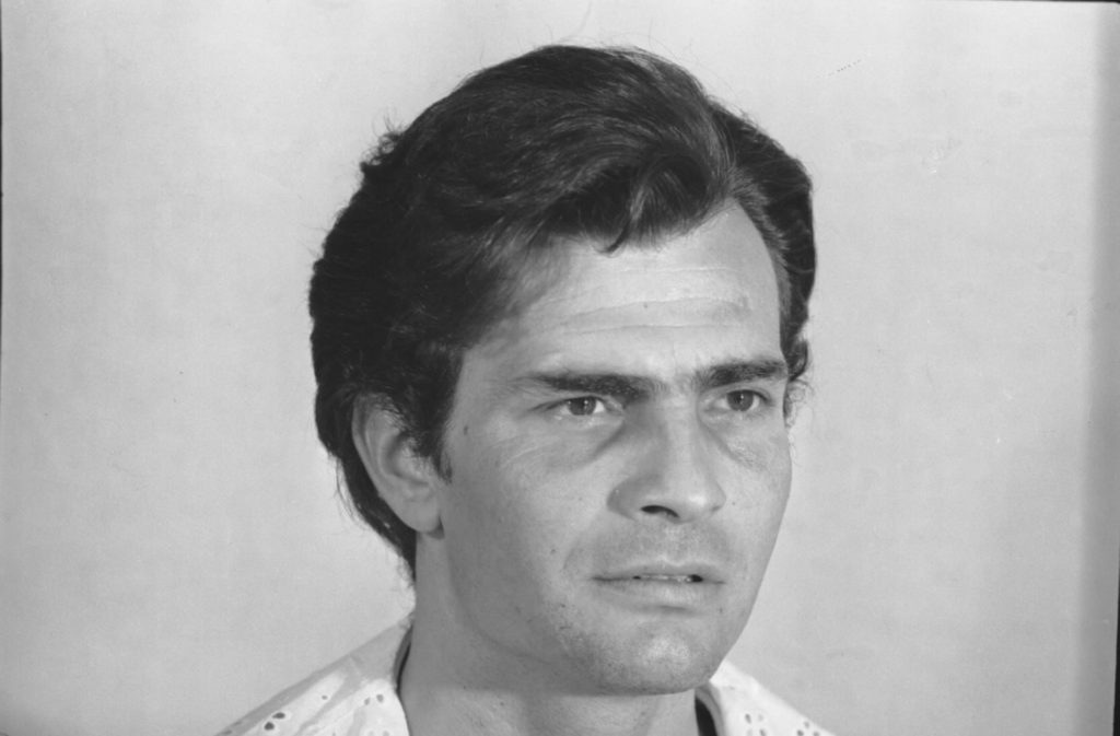 Tarcísio Meira como João Coragem