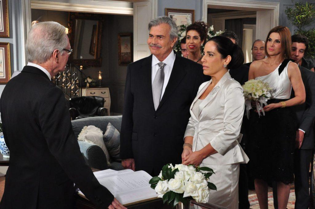 Tarcisio Meira como Teodoro ao lado de Glória Pires, que interpretou Norma em Insensato Coração