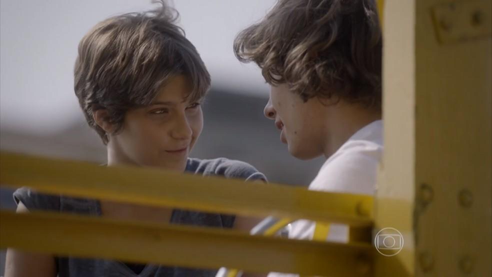 Pedro e Karina se declaram um para o outro