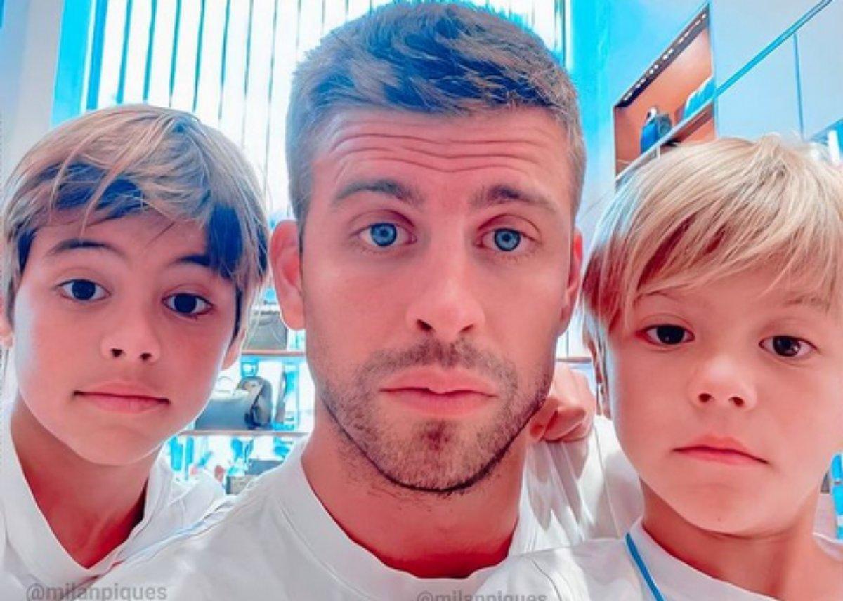 Gerard Piqué em selfie com os filhos