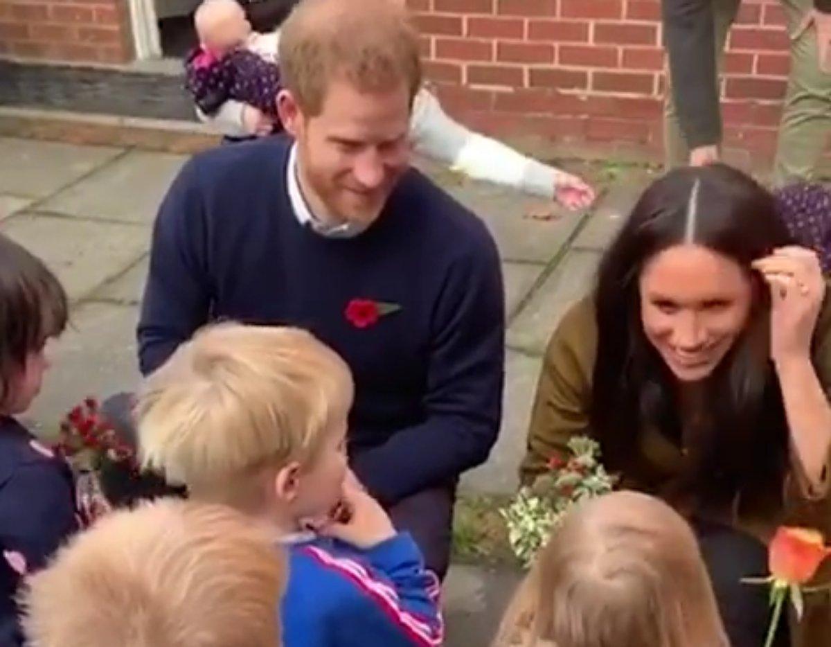 Príncipe Harry e Meghan Markle em vídeo de evento em 2019