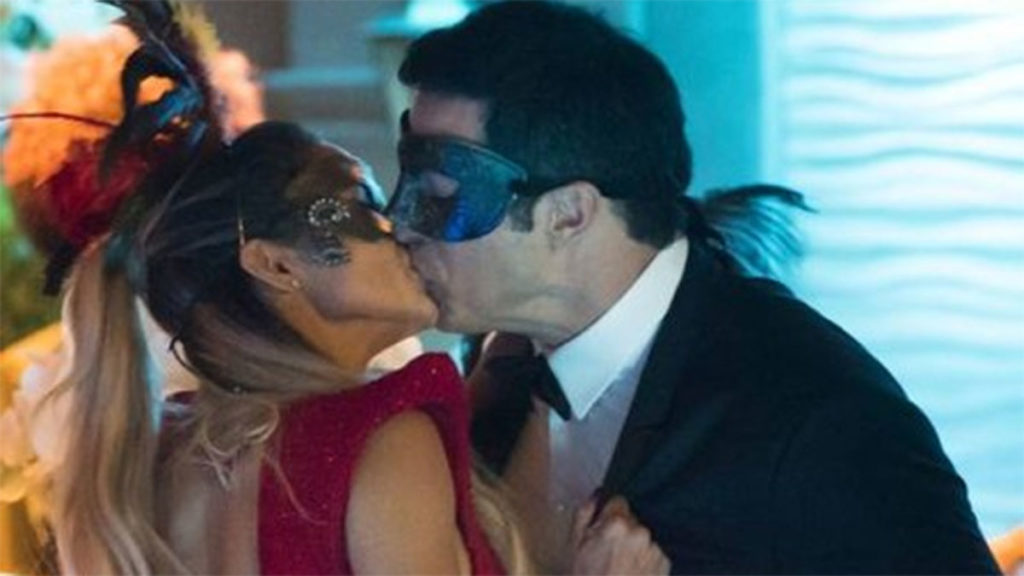 Sandra Helena beija Eric durante festa