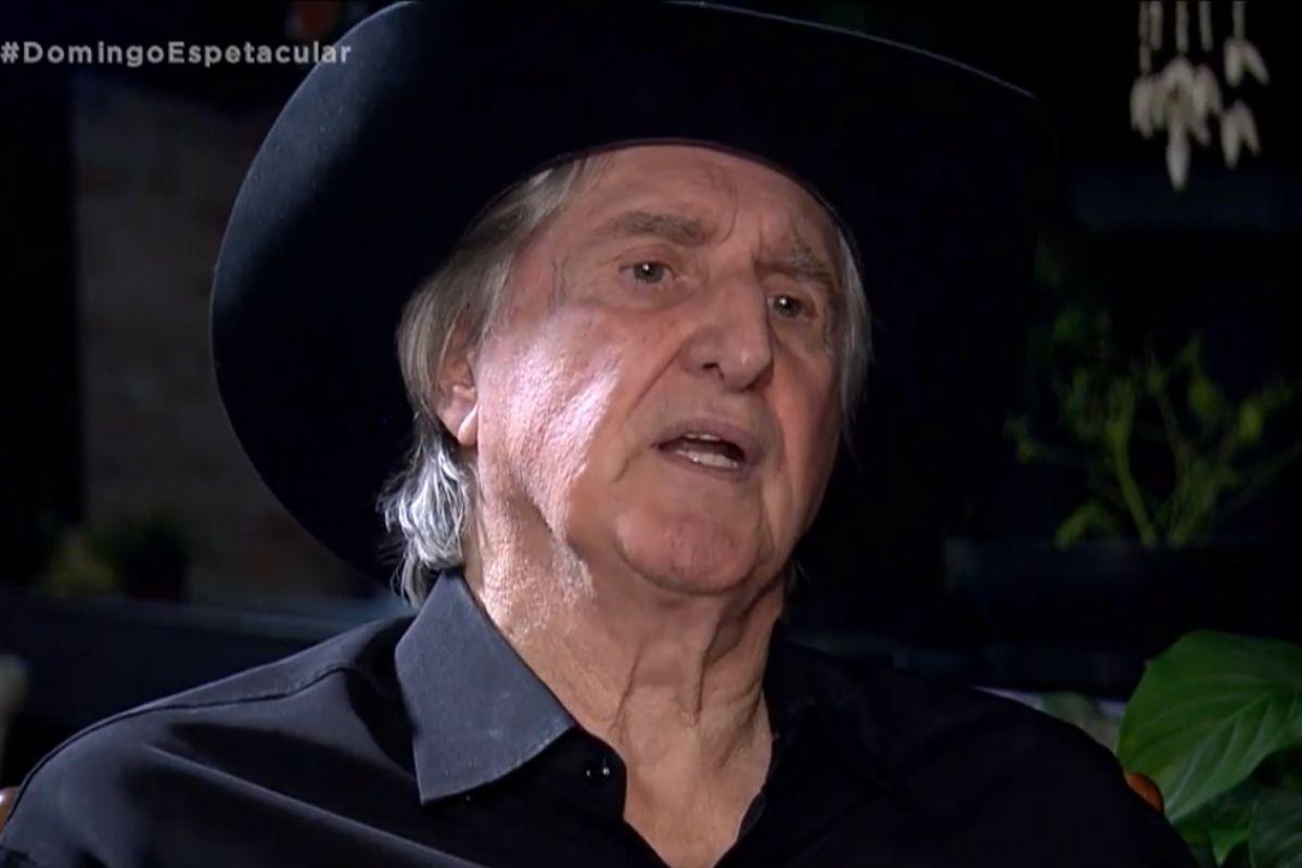 Sérgio Reis de chapéu preto