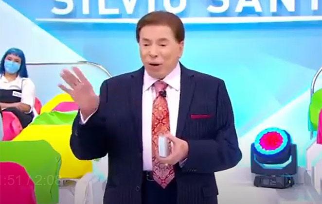 Silvio Santos comandando seu programa, no SBT