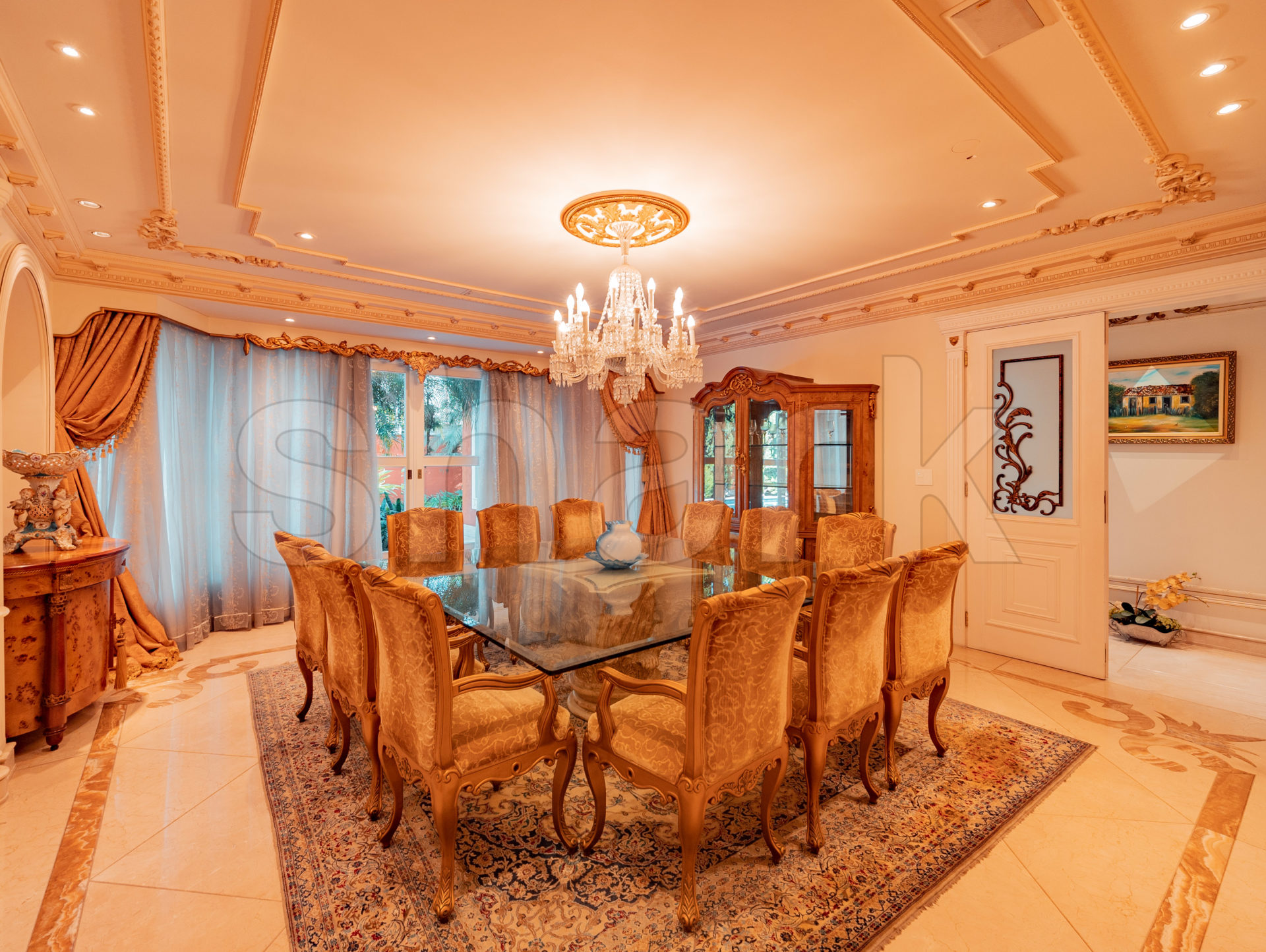 Sala da mansão que já foi de Zezé di Camargo e Zilu
