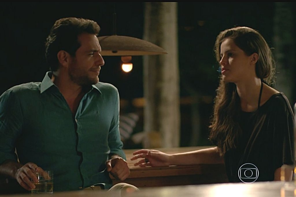 Verdades Secretas - Angel decide não contar nada sobre Alex para Carolina