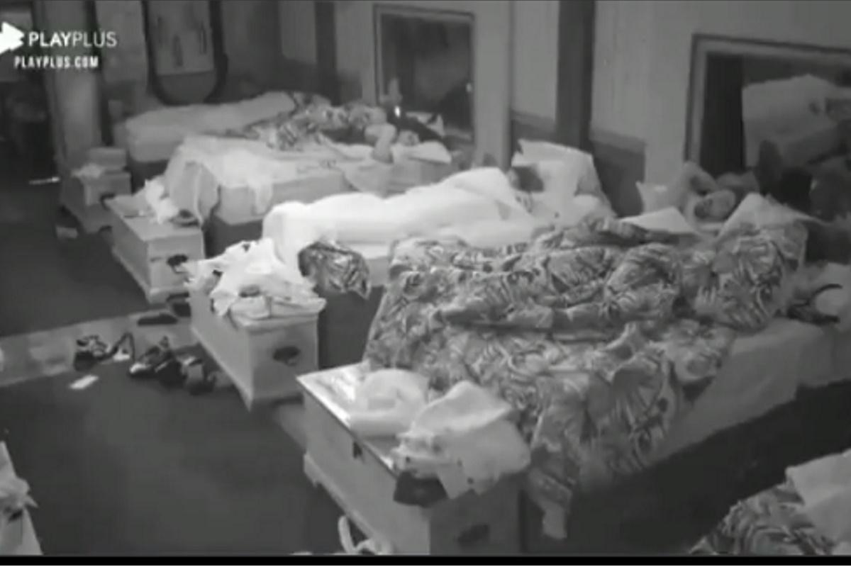 Borel e Dayane na cama