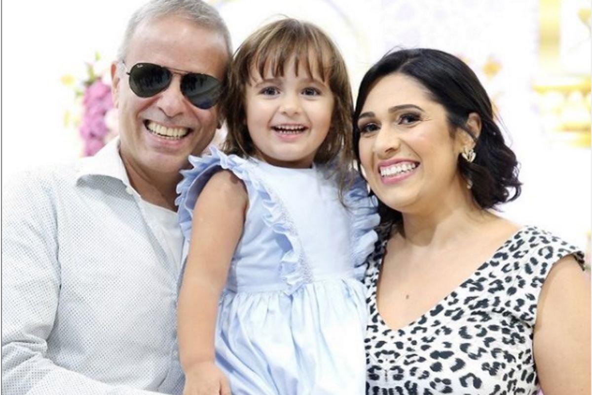 Dudu Braga e familia posados