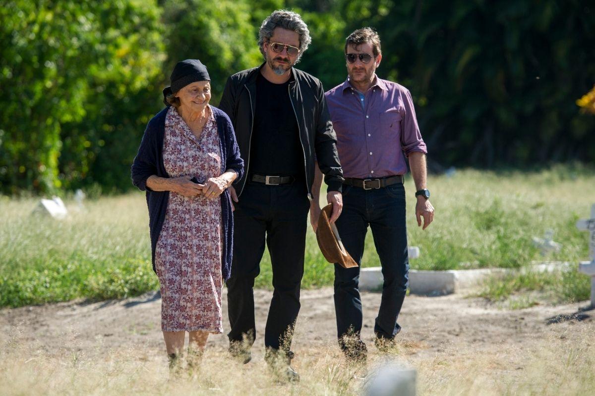 Império: José Alfredo (Alexandre Nero) encontra Jesuína (Laura Cardoso) mãe do verdadeiro Maurílio Divulgação Globo/Estevam Avellar