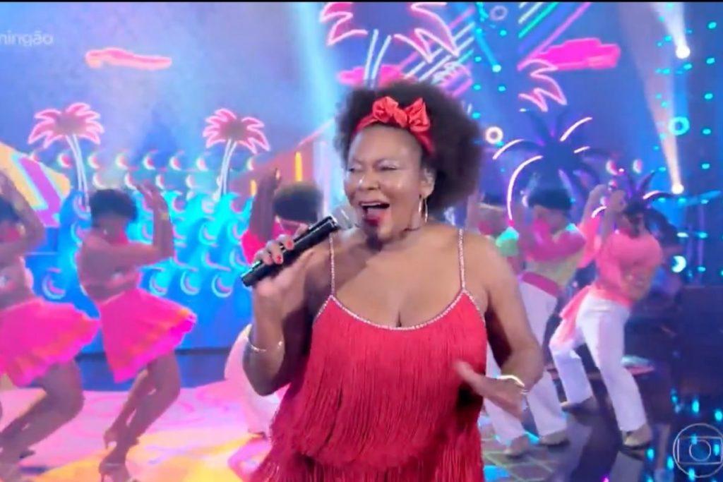 Margareth Menezes interpretando Loalwa Braz do Kaoma