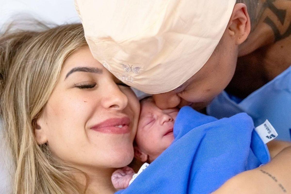 Nasce Liz, filha de Léo Santana e Lore Improta (2)