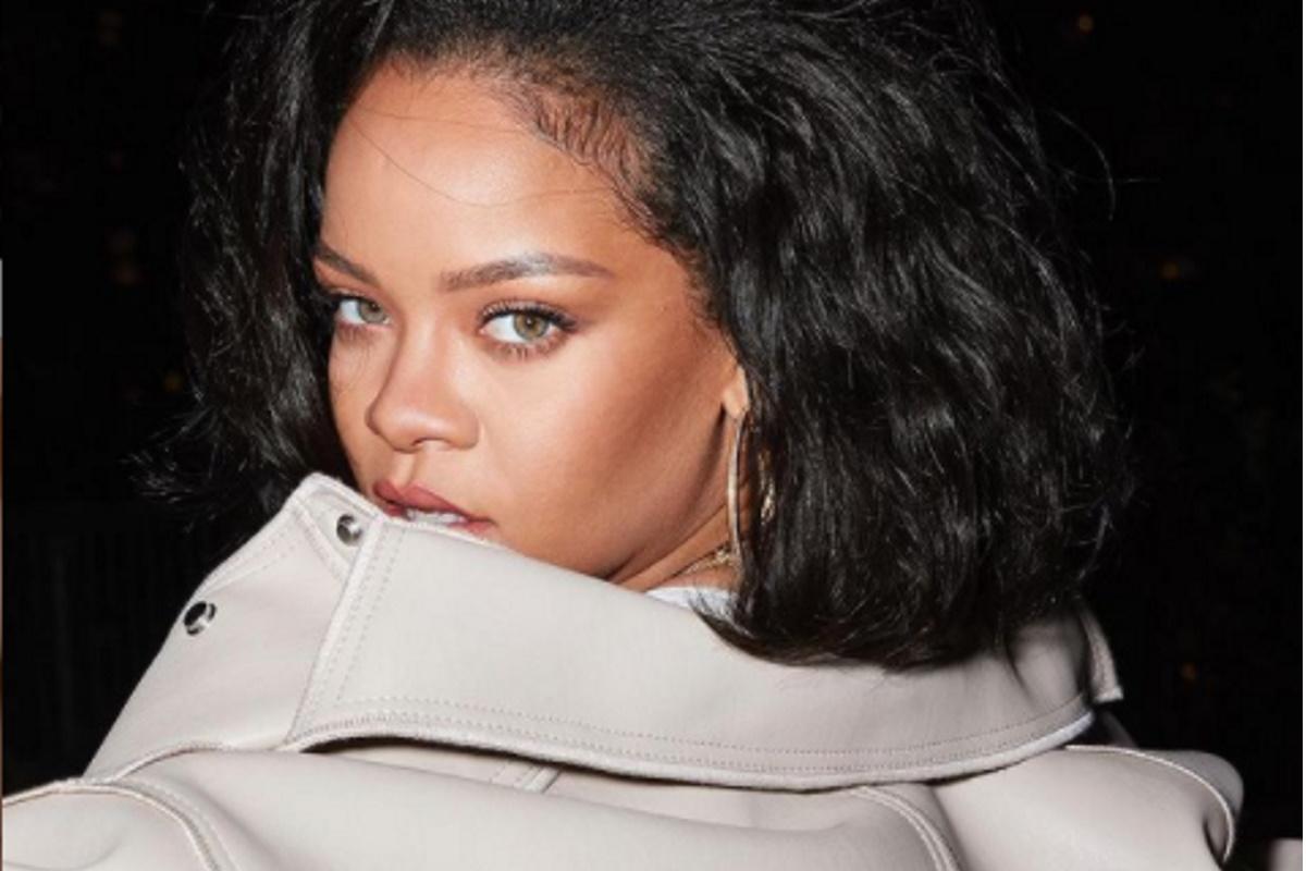 Rihanna de blaser