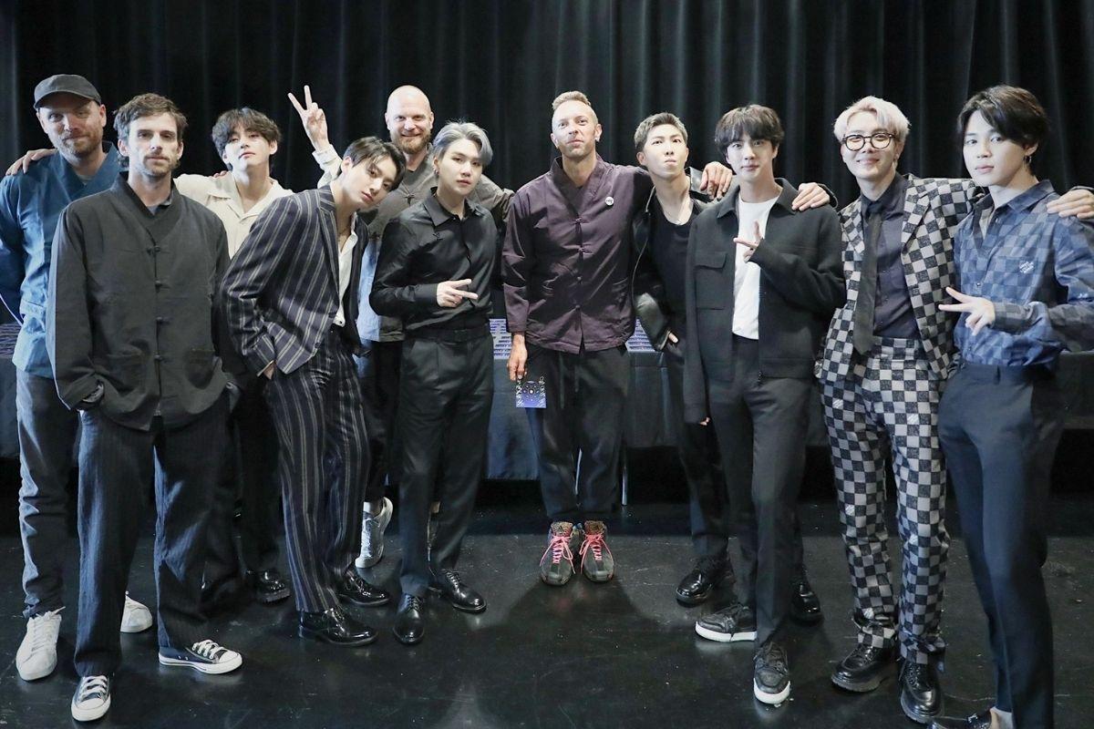 Foto do encontro entre BTS e Coldplay em Nova York