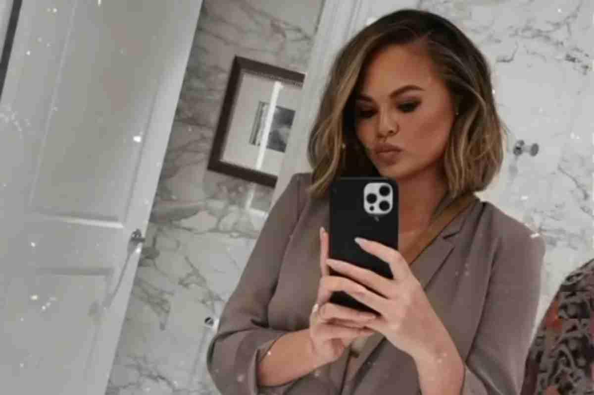 Chrissy Teigen, selfie no espelho