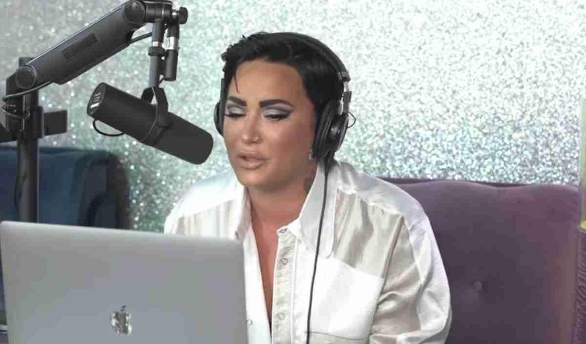 Demi Lovato print de podcast