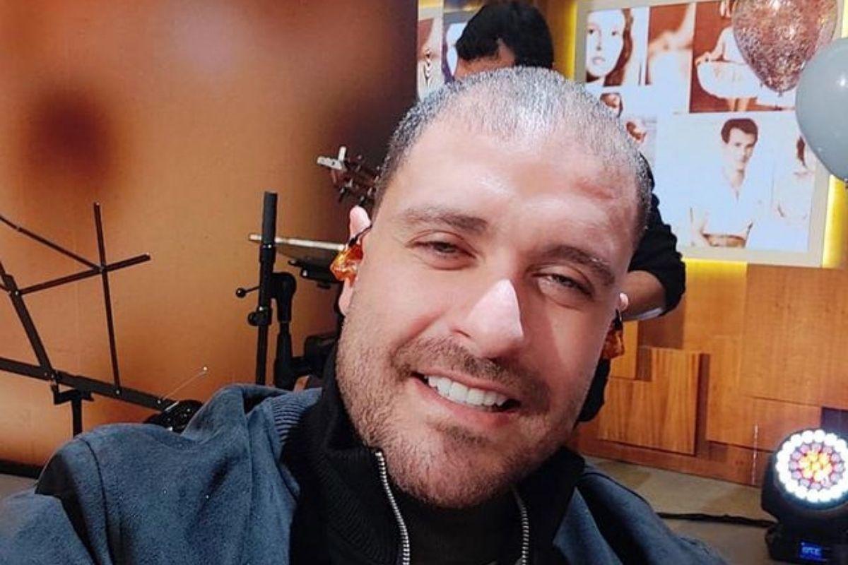 Diogo Nogueira em selfie durante o programa Encontro com Fátima Bernardes