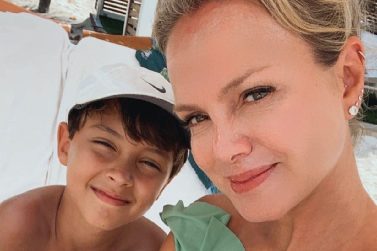 Eliana e o filho, Arthur, em selfie