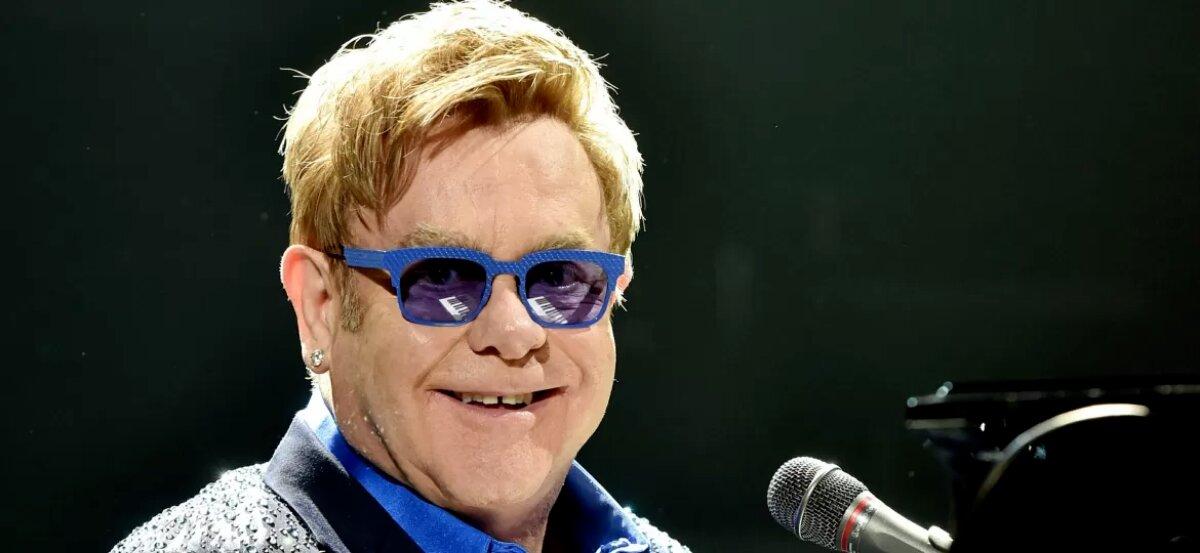 Com dores no quadril após queda, Elton John adia turnê
