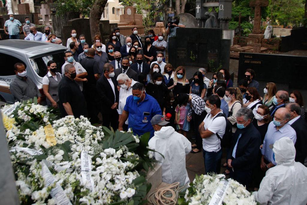 Sepultamento de Dudu Braga aconteceu em São Paulo com a presença de amigos e familiares