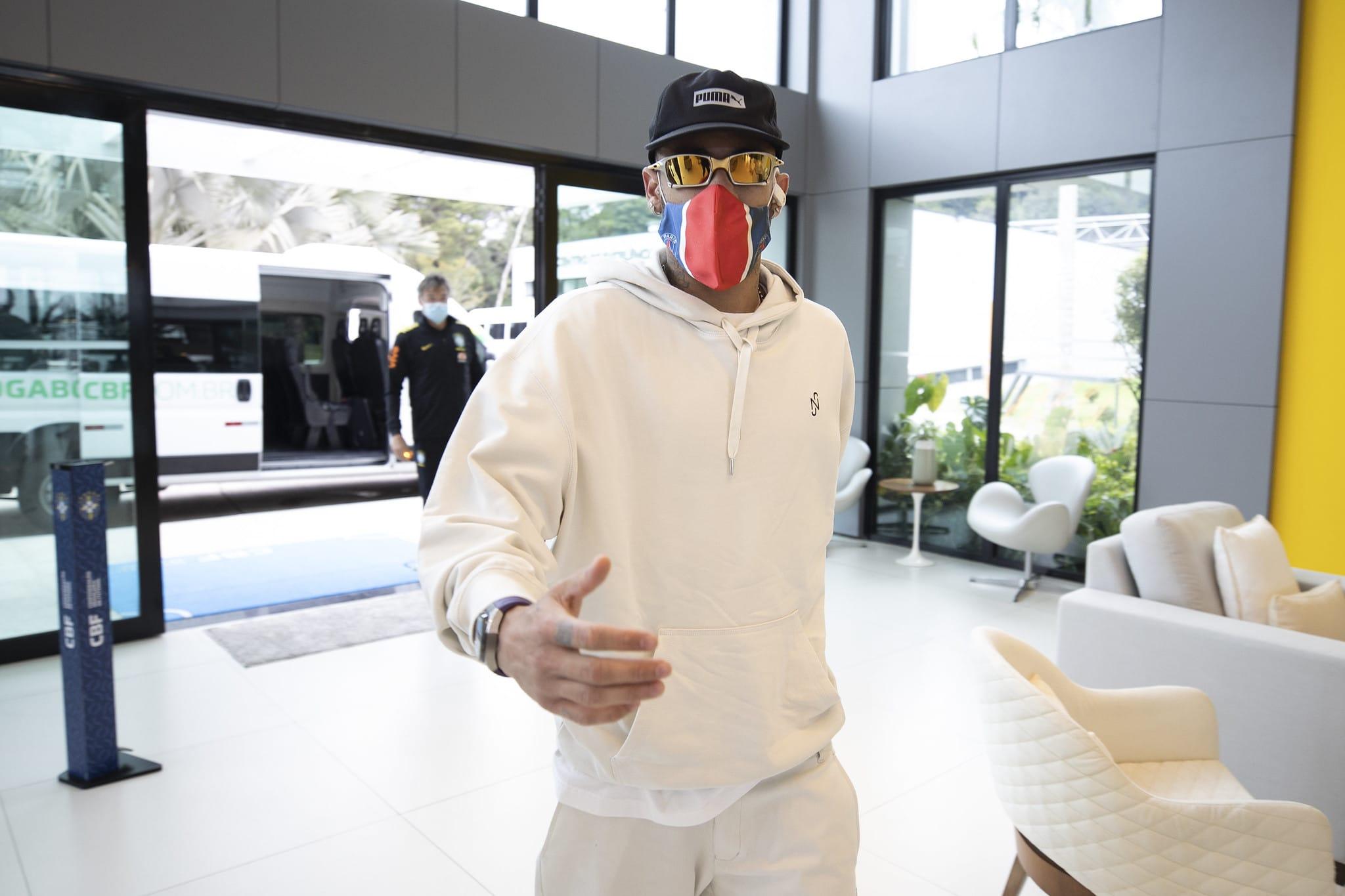 Neymar na granja cumari para treinar para as eliminatórias da Copa do Mundo