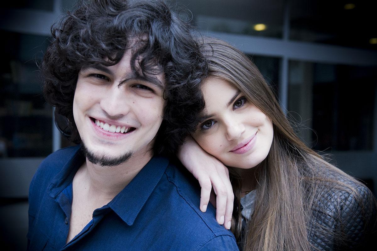 Gabriel Leone e Camila Queiroz em Verdades Secretas
