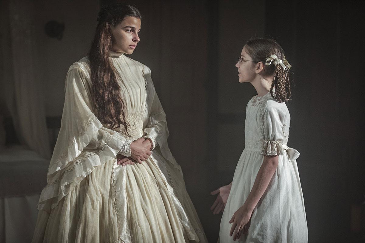 Gabriela Medvedovski e Júlia Freitas em Nos Tempos do Imperador