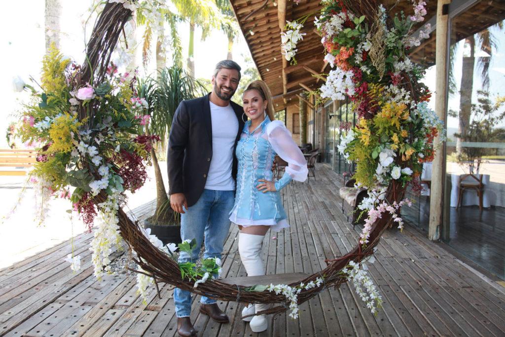 Joelma e Ewerton Martin em coletiva de imprensa sobre o videoclipe e música 'Sim'