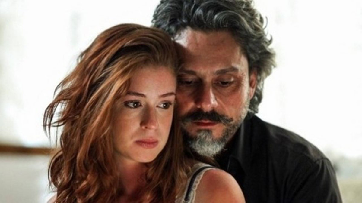 José Alfredo conta para Maria Ísis que perdeu sua fortuna