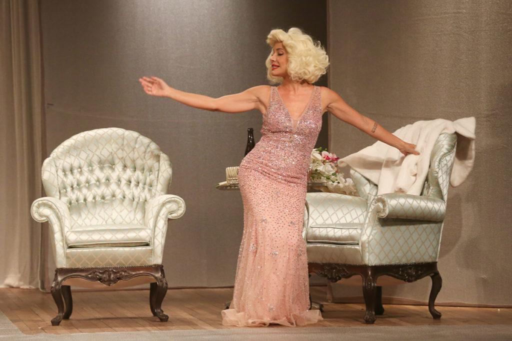 Juliana Knust como Marilyn Monroe