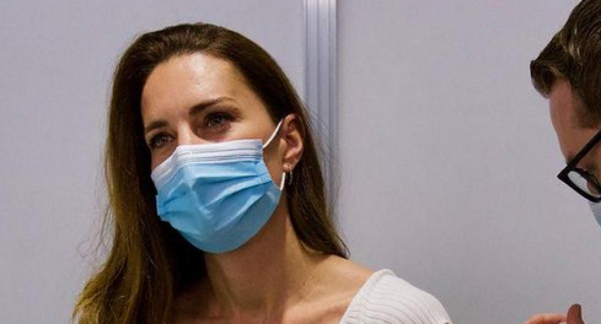 Kate Middleton de máscara