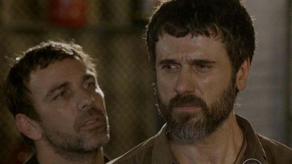 Lobão e Gael decidem se unir para procurar Karina